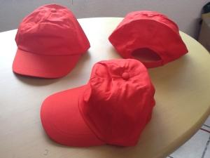 gorras de gabardina rojas
