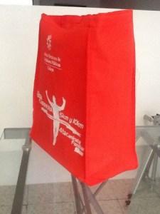 bolsa ecologicass rojas  para maraton 2014