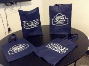 bolsas ecologicas de 40 cm x 30 con fuelle e impresion la casita puebla restaurante
